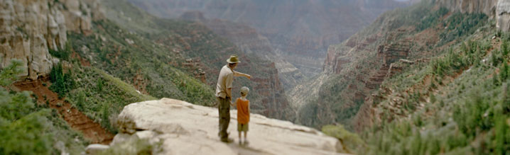 man with son at Grand Canyon