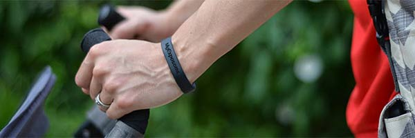 cyclist wearing chemical-sensing wristband